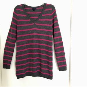Gap Maternity V-neck wool stripe sweater M